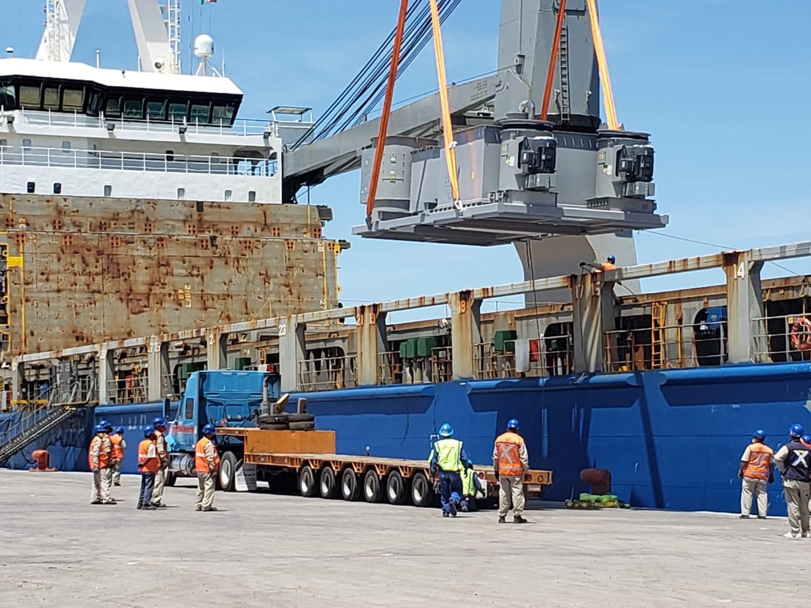 equipment arriving at la paz